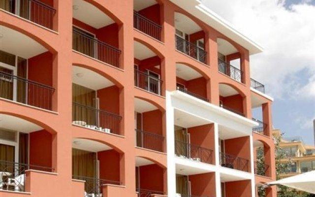 Отель Carina Beach Болгария, Солнечный берег - отзывы, цены и фото номеров - забронировать отель Carina Beach онлайн вид на фасад