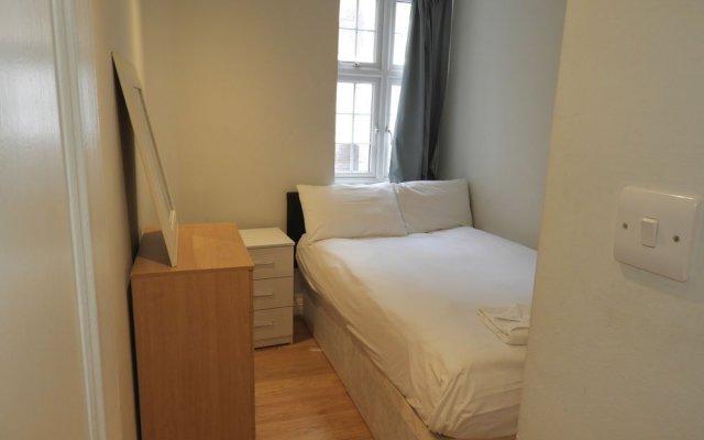 2 Beds Harrods Apartments
