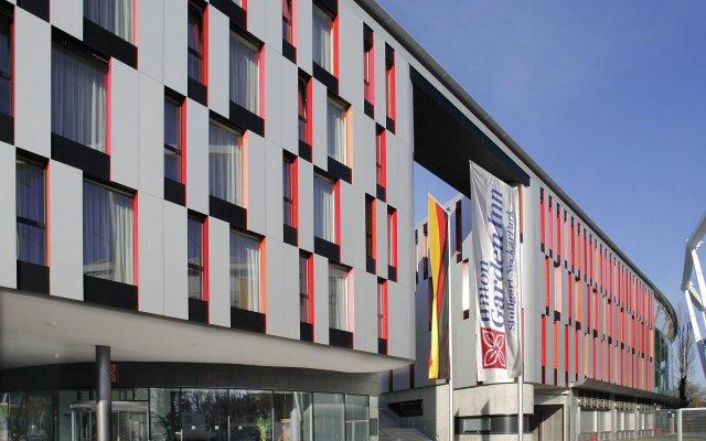 Отель Hilton Garden Inn Stuttgart Neckar Park вид на фасад