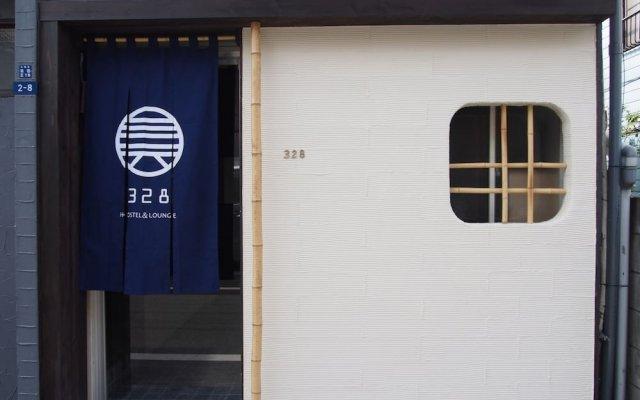 328 Hostel & Lounge Токио вид на фасад