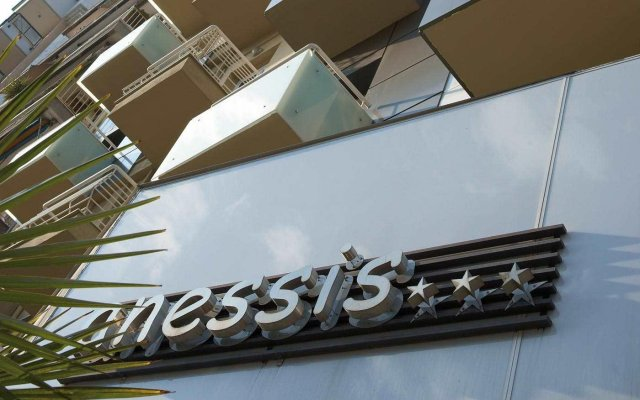 Anessis Hotel вид на фасад