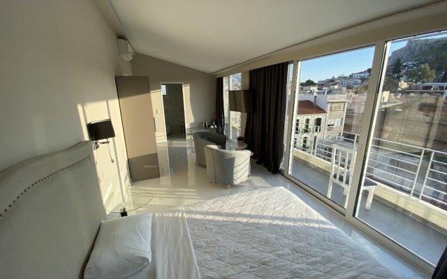 24K Athena Suites