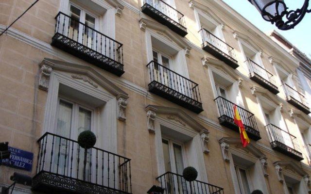 Отель Suite Prado Мадрид вид на фасад