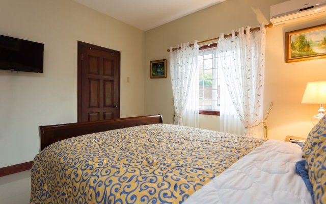 Апартаменты New Kingston Guest Apartment at Inglaterra I комната для гостей