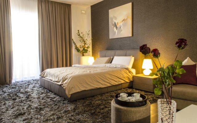 Отель Paramount Bay Penthouse Бирзеббуджа комната для гостей