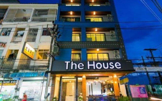 Отель The House Patong вид на фасад
