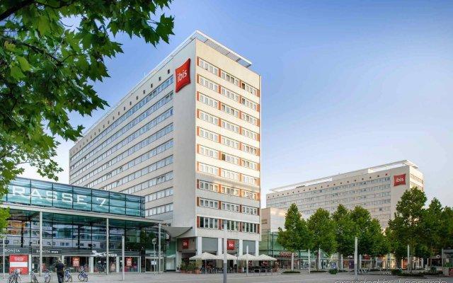 Отель Ibis Dresden Königstein Германия, Дрезден - 8 отзывов об отеле, цены и фото номеров - забронировать отель Ibis Dresden Königstein онлайн вид на фасад