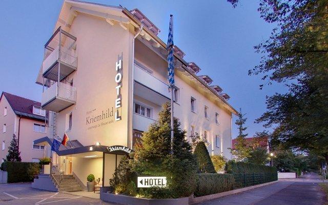 Отель Kriemhild am Hirschgarten Германия, Мюнхен - отзывы, цены и фото номеров - забронировать отель Kriemhild am Hirschgarten онлайн вид на фасад