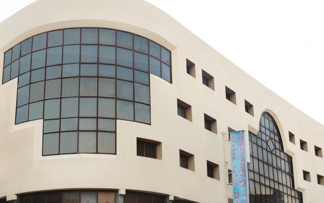 Galaxy Plaza Hotel вид на фасад