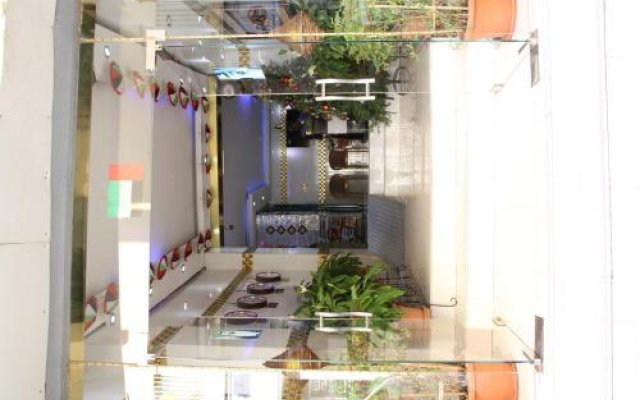 Alarraf Hotel вид на фасад