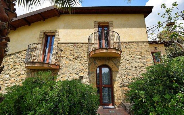 Отель B&B Giucalem - La Casa Negli Orti Пьяцца-Армерина вид на фасад