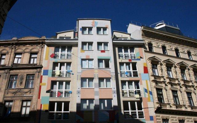 Отель CheckVienna - Apartment Rentals Vienna Австрия, Вена - 11 отзывов об отеле, цены и фото номеров - забронировать отель CheckVienna - Apartment Rentals Vienna онлайн вид на фасад
