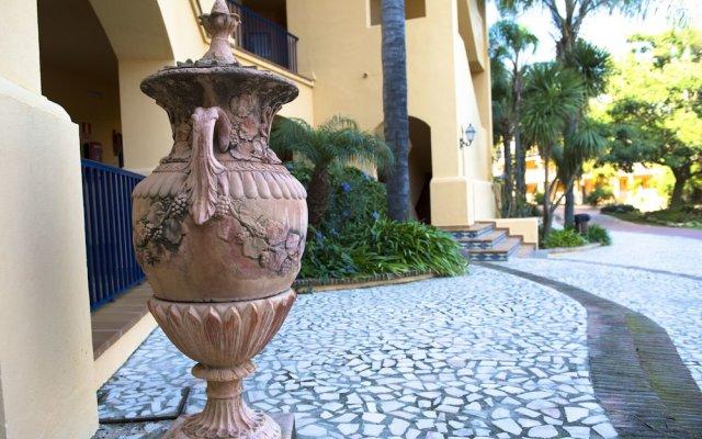 Hotel Guadalmina Spa & Golf Resort вид на фасад