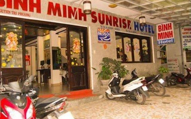 Отель Binh Minh Sunrise Hotel Вьетнам, Хюэ - отзывы, цены и фото номеров - забронировать отель Binh Minh Sunrise Hotel онлайн вид на фасад