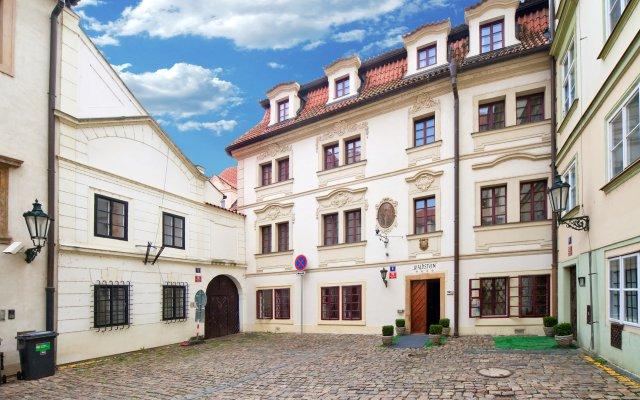 Hotel Waldstein вид на фасад
