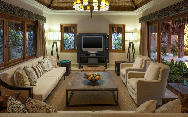 Отель The St Regis Bora Bora Resort Французская Полинезия, Бора-Бора - отзывы, цены и фото номеров - забронировать отель The St Regis Bora Bora Resort онлайн комната для гостей