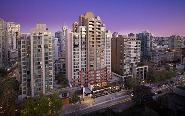 Отель Residence Inn by Marriott Vancouver Downtown Канада, Ванкувер - отзывы, цены и фото номеров - забронировать отель Residence Inn by Marriott Vancouver Downtown онлайн вид на фасад
