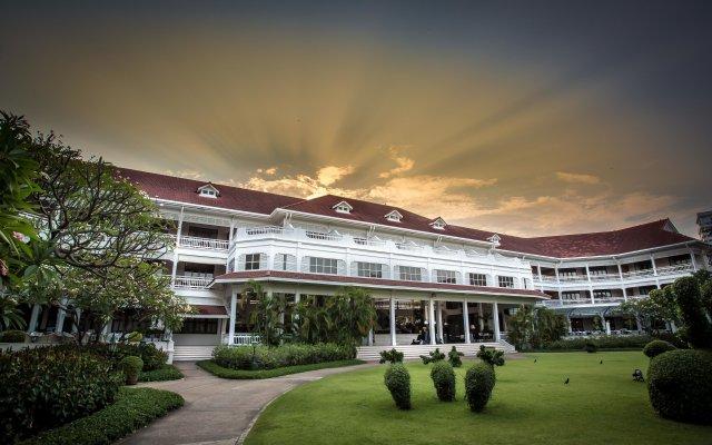 Отель Centara Grand Beach Resort & Villas Hua Hin Таиланд, Хуахин - 2 отзыва об отеле, цены и фото номеров - забронировать отель Centara Grand Beach Resort & Villas Hua Hin онлайн вид на фасад