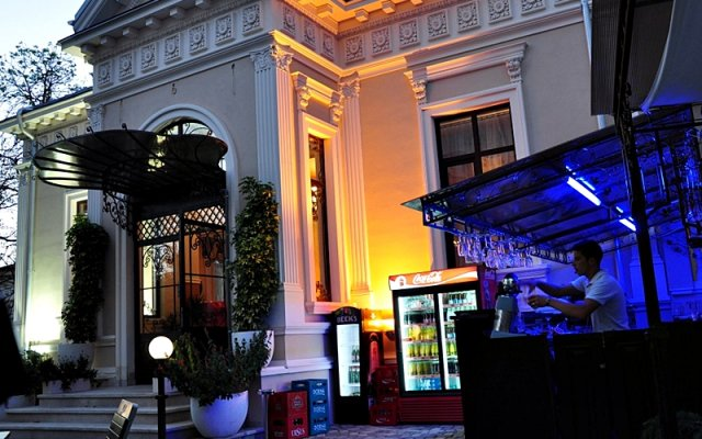 Vigo Grand Hotel вид на фасад