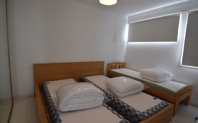Отель Solferie Holiday Apartment Kirkeveien Норвегия, Кристиансанд - отзывы, цены и фото номеров - забронировать отель Solferie Holiday Apartment Kirkeveien онлайн комната для гостей