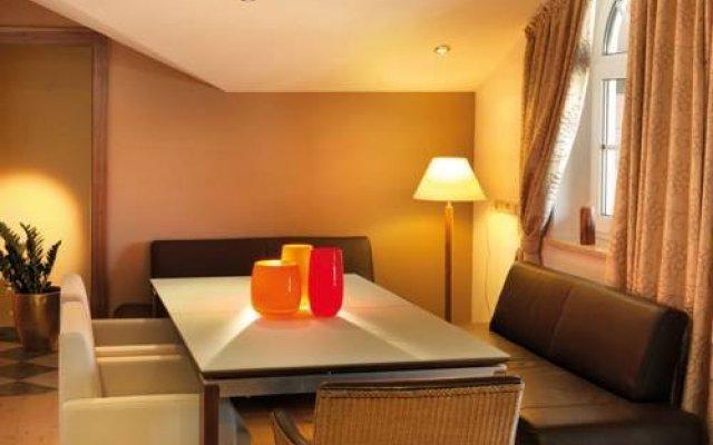 Hotel Rothirsch by Skinetworks комната для гостей