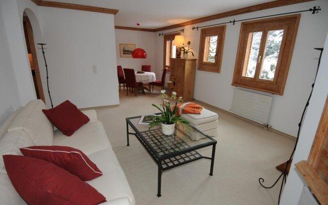 Отель Las Sours 1 St. Moritz Швейцария, Санкт-Мориц - отзывы, цены и фото номеров - забронировать отель Las Sours 1 St. Moritz онлайн комната для гостей