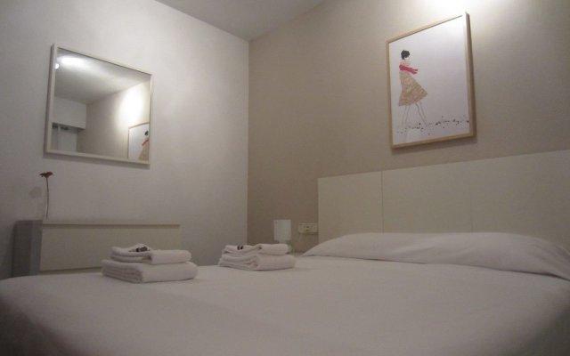 Отель Living Valencia Ayuntamiento Валенсия комната для гостей