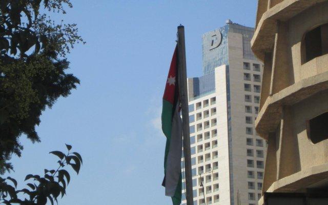 Отель Sufara Hotel Suites Иордания, Амман - отзывы, цены и фото номеров - забронировать отель Sufara Hotel Suites онлайн вид на фасад