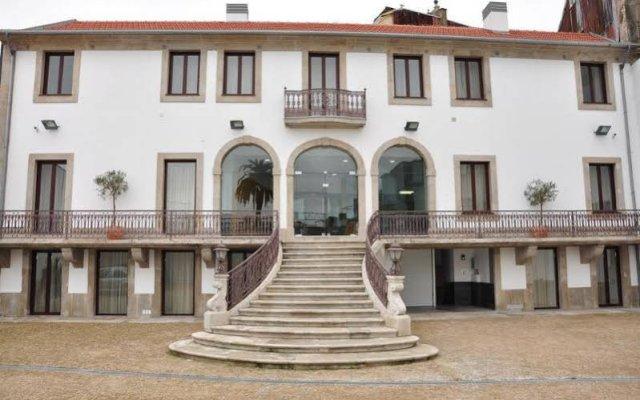 Отель Vitoria Village вид на фасад