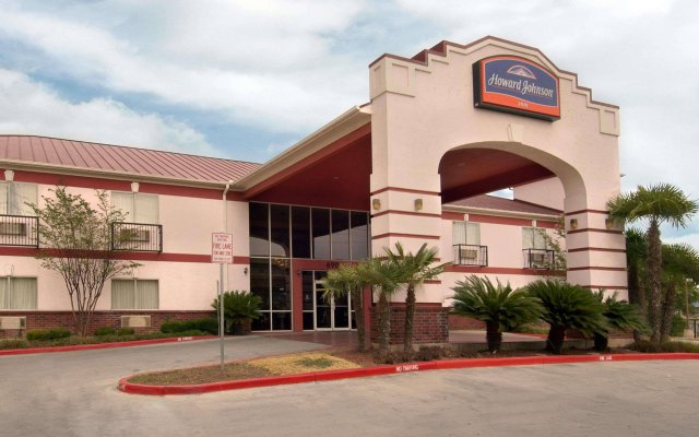 Howard Johnson by Wyndham San Antonio/NW Medical Center