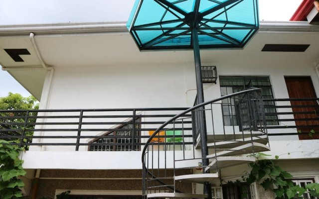 Отель Charm Guest House - Hostel Филиппины, Пуэрто-Принцеса - отзывы, цены и фото номеров - забронировать отель Charm Guest House - Hostel онлайн вид на фасад