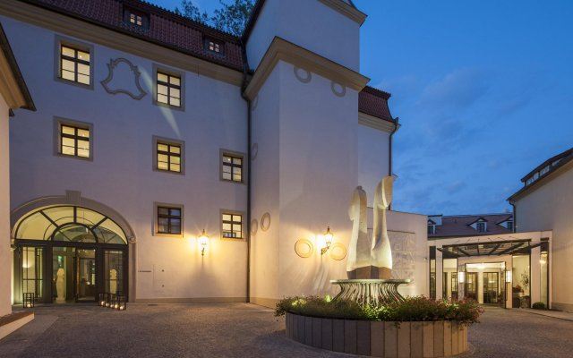 Augustine, a Luxury Collection Hotel, Prague вид на фасад