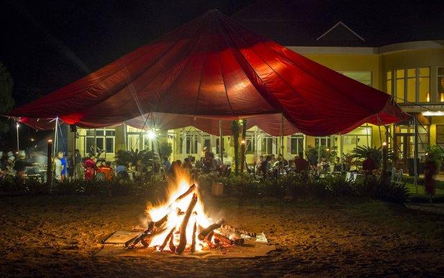 Отель Victoria Sapa Resort & Spa Шапа вид на фасад