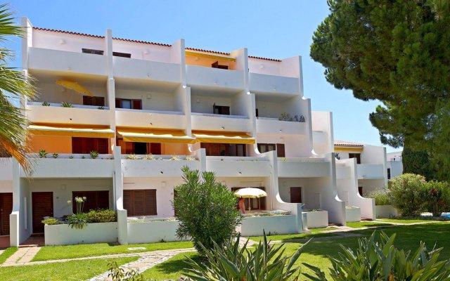 Отель Casal Das Alfarrobeiras Португалия, Виламура - отзывы, цены и фото номеров - забронировать отель Casal Das Alfarrobeiras онлайн вид на фасад