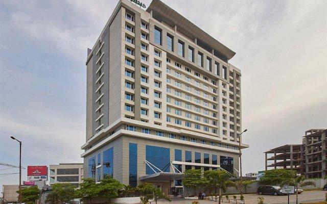 Отель Radisson Hyderabad Hitec City вид на фасад