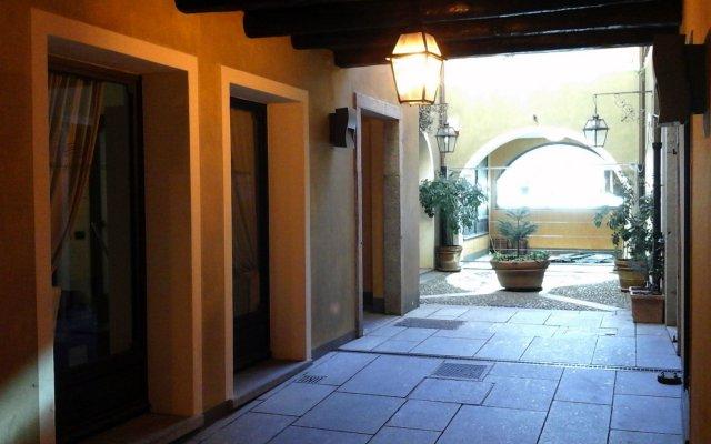Отель La Contrada Италия, Вербания - отзывы, цены и фото номеров - забронировать отель La Contrada онлайн вид на фасад