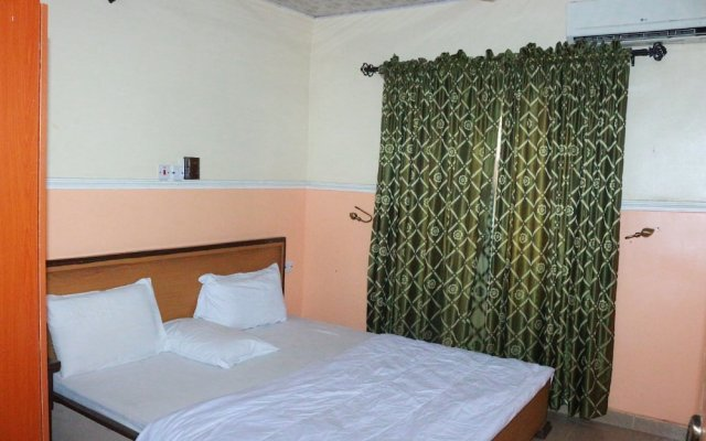 L & L Executive Hotels and Suites