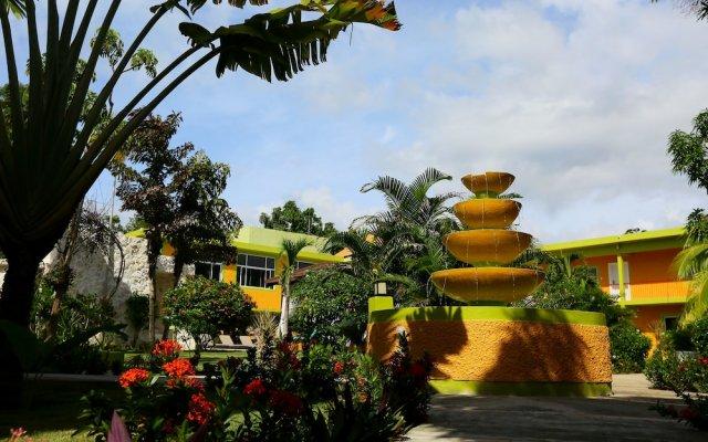 Отель Oasis Resort вид на фасад