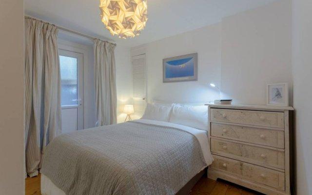 Отель 2 Bedroom Apartment Close to Kings Cross Великобритания, Лондон - отзывы, цены и фото номеров - забронировать отель 2 Bedroom Apartment Close to Kings Cross онлайн комната для гостей