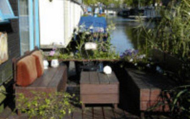 Отель Blue Wave Houseboat Нидерланды, Амстердам - отзывы, цены и фото номеров - забронировать отель Blue Wave Houseboat онлайн
