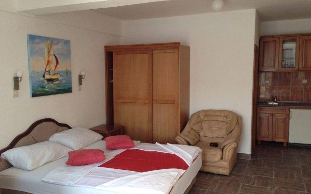 Отель Kuc Черногория, Рафаиловичи - отзывы, цены и фото номеров - забронировать отель Kuc онлайн комната для гостей