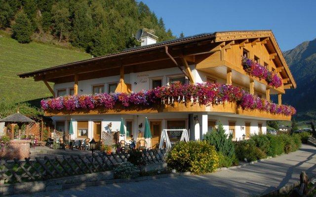 Отель Residence Landhaus Rainer Рачинес-Ратскингс вид на фасад