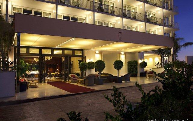 Отель Mr. C Beverly Hills вид на фасад