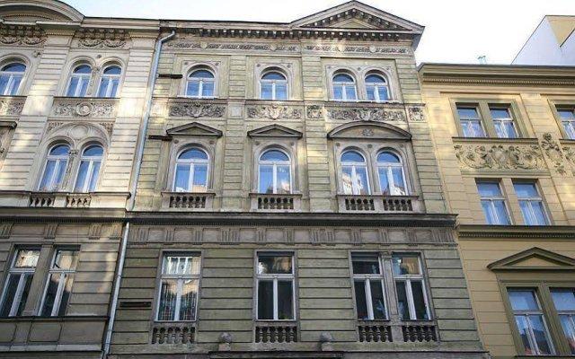 Отель Attic Klimentska Чехия, Прага - отзывы, цены и фото номеров - забронировать отель Attic Klimentska онлайн вид на фасад