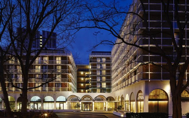 London Marriott Hotel Regents Park вид на фасад