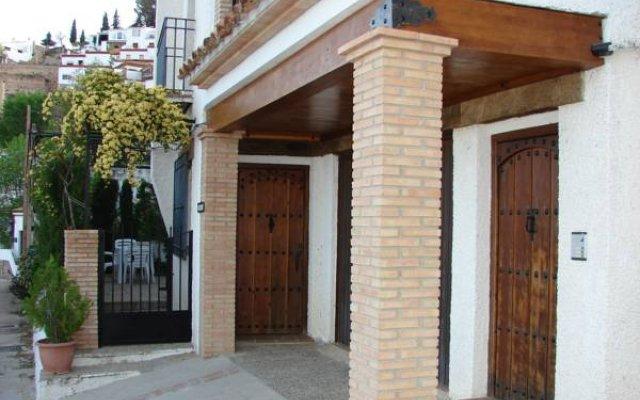 Отель Apartamentos Sierra de Segura Испания, Сегура-де-ла-Сьерра - отзывы, цены и фото номеров - забронировать отель Apartamentos Sierra de Segura онлайн вид на фасад