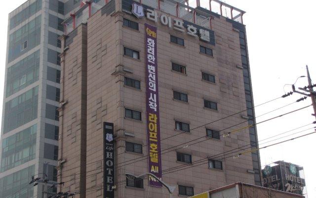 Отель Life Hotel Южная Корея, Сеул - отзывы, цены и фото номеров - забронировать отель Life Hotel онлайн вид на фасад