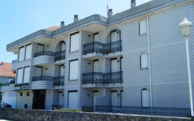 Отель Apartamentos Salceda вид на фасад