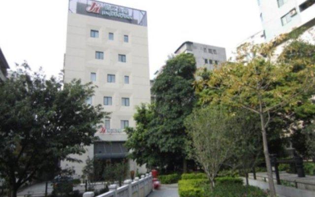 Отель Jinjiang Inn Guangzhou Liwan Chenjia Temple Китай, Гуанчжоу - отзывы, цены и фото номеров - забронировать отель Jinjiang Inn Guangzhou Liwan Chenjia Temple онлайн вид на фасад
