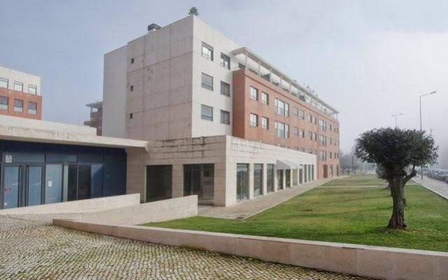 Отель Your Lisbon Home Cabo Ruivo вид на фасад